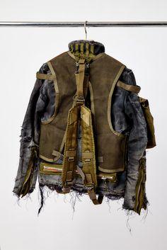 """Armand Hadida, fondateur de L'éclaireur, le premier concept store français : """"je ne vais plus aux défilés"""" - O - L'Obs Post Apocalyptic Clothing, Military Fashion, Mens Fashion, Armor Clothing, Refashion, Work Wear, Menswear, Style Inspiration, Punk"""