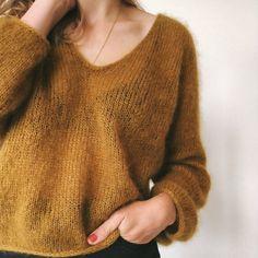 Petiteknit Kumulus Bluse Strikkekit – Skabagtig Wardrobe Planner, Knit Fashion, Men Sweater, Knit Sweaters, Winter Fashion, Ravelry, Knitting, My Style, Jumpers