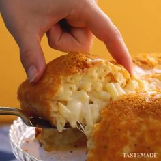 You thought mac & cheese couldn't get better? You were wrong.⠀ ⠀ Save ou… You thought mac & cheese couldn't get better? You were wrong.⠀ ⠀ Save our Mac n Cheese Crisp Bundt recipe on the Tastemade app! Doritos Recipes, Cheese Recipes, Cooking Recipes, Burger Recipes, Tastemade Uk, Tastemade Recipes, Macaroni Cheese, Mac Cheese, My Favorite Food