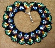 """Saraguro """"Triangulos"""" Collar by Chris Prussing Beaded Necklace Patterns, Beaded Jewelry Designs, Handmade Jewelry, Beading Tutorials, Beading Patterns, Micro Macramé, Beads And Wire, Loom Beading, Bead Art"""