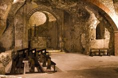 "For the programme ""Discover Cagliari"", today we suggest you an underground visit to the crypt of Saint Restituta, one of the hidden treasures of di Cagliari."
