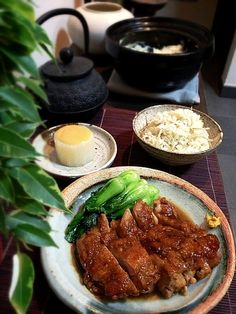 Just an ordinary Tuesday dinner,not much to talk about..... - 191件のもぐもぐ - 雞の角煮風、ごぼうの土鍋ご飯、ふろふき大根 by rick chan