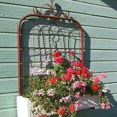 Gate box planter