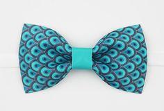 Modern Graphic Peacock Pattern Printed Bow Ties Turquoise Blue Pre-Tied Adjustable Groom Groomsmen Bow Ties Men Wedding Accessory