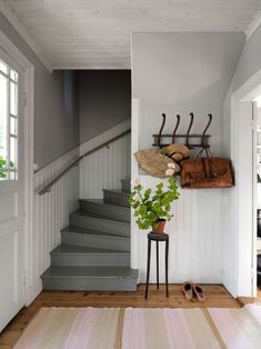 Interior Design Tips, Interior Design Inspiration, Summer House Interiors, Paris Home, House Stairs, French Country Style, Easy Home Decor, Decoration, Old Houses