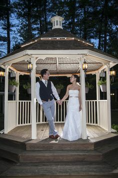 Escaping To The Gazebo Outside During Reception Cool Off Promises Keep In Derry Nh