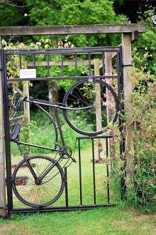 Re-purposed bicycle gate #DIY #genius