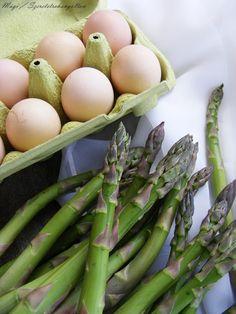 szeretetrehangoltan: Spárgás frittata, azaz sült csirágos tojáslepény Frittata, Mozzarella, Eggs, Breakfast, Blog, Photos, Morning Coffee, Egg, Blogging