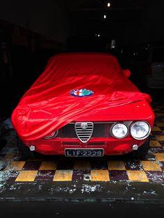 <p>Passione per la macchina. 1972 Alfa Romeo GT Veloce 2000.</p>