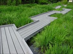 20 Creaive Ideas for Beautiful Garden Paths and Walkways garden path designs and yard landscaping ideas Wooden Path, Wooden Walkways, Wooden Garden, Diy Garden, Garden Paths, Home And Garden, Garden Bridge, Landscape Architecture, Landscape Design