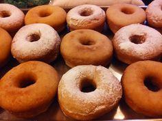 Donas, Rosquillas, Donuts o como quieras llamarlas de Las recetas de Ricardo Gross Si queres conocerlas visita el Blog:    https://recetasdericardogross.blogspot.com.ar/