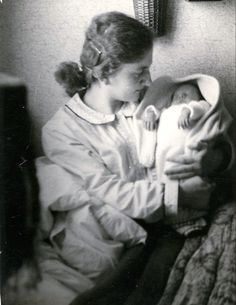 (02/20/1943) Papendrecht, Netherlands (09/21/1943) Illness in Weisbeden Germany  6 months old Never Again, Child Face, Find A Grave, Infants, 6 Months, Netherlands, Angels, Germany, Couple Photos