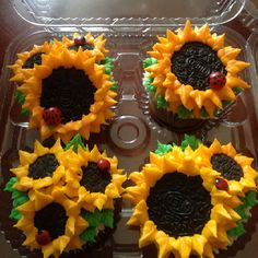 Heather's sunflower cupcakes