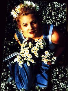 i love 90's drew Daily Fashion, Fashion Kids, 90s Fashion, Trendy Fashion, Mode Bizarre, Drew Barrymore 90s, Drew Barrymore Style, Pretty People, Beautiful People