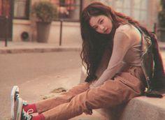 Kim Jennie, Blackpink Memes, Bebe Rexha, Insta Photo Ideas, Blackpink Photos, Oui Oui, Blackpink Fashion, Blackpink Lisa, Beautiful Asian Women