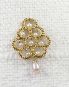 Vintage Florenza Gold Dangle Pearls Brooch by SultanaVintageJewels