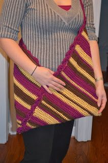Crochet Origami Bag - Craft Disasters and other Atrocities Crochet Purses, Crochet Bags, Origami Bag, Crochet Clothes, Fiber Art, Purses And Bags, Crochet Top, Knitting Patterns, Weaving