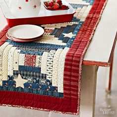 Top your summer table with this star-studded runner./