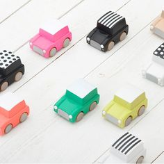 kiko-kukkia-car-houten-speelgoed-auto-kuruma-wolf-en-wolkje-04_6d8eacf2-1aff-474e-b105-26d591494528_1024x1024