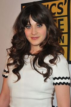 Zooey Deschanel - Critics' Choice Television Awards - Red Carpet