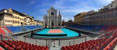 Il palazzetto all'aperto in Piazza Santa Croce a Firenze per la partita di pallavolo tra la nostra nazionale femminile e l'Azerbaijan del 09/09/2015