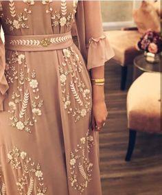 Green Tie dye dress Green maxi dress Boho Maxi dress Green c Abaya Fashion, Muslim Fashion, Modest Fashion, Fashion Dresses, Elegant Dresses, Pretty Dresses, Beautiful Dresses, Mode Abaya, Mode Hijab