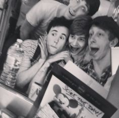 Oh the joys of Newsies I'm trying to decide if Ben or Garett is making a weirder face! Broadway Theatre, Musical Theatre, Ben Fankhauser, Tomorrow News, A Chorus Line, Drama Class, Disney Live, Wtf Face, Kinds Of Music