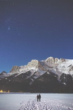 Reasons to Start Planning Your Alberta Winter Vacation mountains // stars // snow.