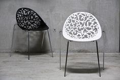 Nowoczesne białe krzesło Ażurowe