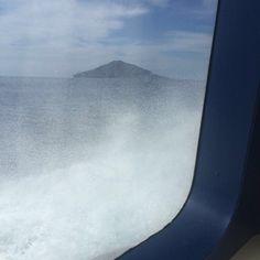 In aliscafo verso la nostra isola! Visitate il nostro sito www.bed-breakfast-panarea.it