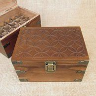 Mosaic Wood Storage Box for Roll On Essential Oil Aromatherapy Bottles by Rivertree Life Essential Oil Storage Box, Essential Oil Box, Essential Oil Bottles, Decorative Storage Boxes, Wooden Storage Boxes, Must Have Woodworking Tools, Licht Box, Roll On Bottles, Palette