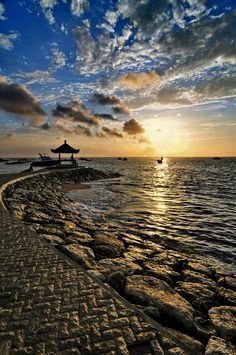 Sunrise Kota Denpasar, Bali Am - by DiBe Borneo, Places Around The World, Around The Worlds, Gili Island, Denpasar, Tropical, Just Dream, Beautiful Sunrise, Bali Travel