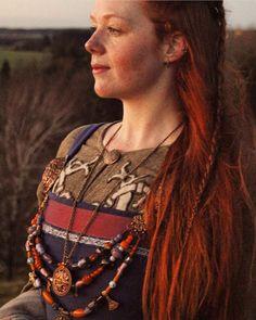 Viking Garb, Viking Reenactment, Viking Dress, Medieval Dress, 17th Century Fashion, Gn, Viking Culture, Norse Pagan, Viking Clothing