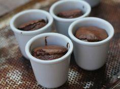 Petits pots de moelleux au chocolat
