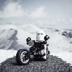 More photography antics with the poppy seed road. Lego Star Wars, Star Trek, Star Wars Love, Space Warriors, Lego Stormtrooper, Super Troopers, Lego Figures, Lego Worlds, Lego Photography