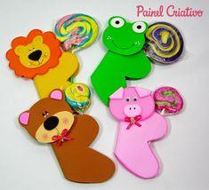 obsequia dulces de manera original3 Kids Crafts, Hobbies And Crafts, Diy And Crafts, Candy Crafts, 3d Paper Crafts, Art N Craft, Ideas Para Fiestas, Felt Dolls, Paint Party