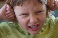 Es común que los niños y niñas actúen por impulsos, mostrando dificultades para controlar los mismos, sin reflexionar y sin comprender las posibles consecuencias de sus actos. Es importante prest…