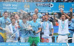 Nike presenta la nueva segunda camsieta Manchester City para la temporada 2014 2015, una camiseta que rinde homenaje a un momento clave de su historia que lo llevó, a lo largo de los años, de la tercera división del fútbol inglés a convertise en campeones de la Premier.