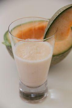 Kavunlu Milkshake Healthy Eating Tips, Healthy Nutrition, Vegetable Drinks, Slushies, Homemade Beauty Products, Coffee Art, Kefir, Glass Of Milk, Smoothies