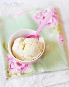 Vanille-Schmand-Eis {Rezept} ohne Eismaschine I ice cream {german recipe} I Casa di Falcone Sorbet, Claudia S, Popsicles, Gelato, Colorful Decor, Bon Appetit, Parfait, Pink And Green, Summer Time
