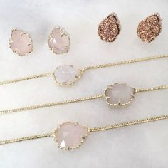 Love the necklace Jewelry Box, Jewelery, Jewelry Accessories, Wedding Accessories, Kendra Scott Necklace, Ruby Earrings, Cool Necklaces, Diamond Are A Girls Best Friend, Queen