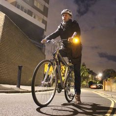 Light up the road with WingLights, the sturdy, directional bike indicator lights that work in rain, snow or shine - they're even shockproof! Sustainable Transport, Cool New Gadgets, Good Birthday Presents, Original Gifts, Gadget Gifts, Pedestrian, Novelty Gifts, Bicycle, Lights