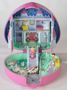 Polly Pocket....I loved this!! And owned this one haha