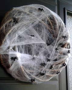 Halloween wreath by using a blank wicker wreath (from a cheap deco store), fake… Halloween Wreaths, Halloween Parties, Halloween Crafts, Halloween Decorations, Holiday Decorating, Decorating Ideas, Positive Comments, Holiday Time, Costumes