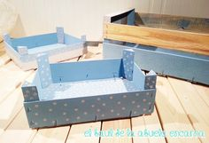 Pintar con Chalk Paint Cajas de Frutas | Hacer bricolaje es facilisimo.com Wooden Toy Boxes, Fruit Box, Pink Room, Wood Crates, Sewing Box, Wooden Art, Baby Art, Diy Box, Chalk Paint