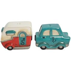 Take the scenic route and place these vintage salt & pepper shakers on your table as a reminder of the joys of the open road. Road Trip Salt & Pepper Set Features: Material: Ceramic Packaging: Color Box Size: x x Retro Trailers, Retro Campers, Vintage Travel Trailers, Camper Trailers, Vintage Campers, Rv Gifts, Gifts For Campers, Quirky Gifts, Salt And Pepper Set