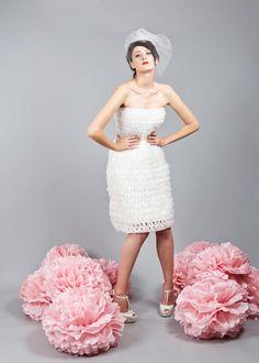 Gestricktes Hochzeitskleid by Ella Deck Couture Lace Skirt, High Fashion, Formal Dresses, Skirts, Haute Couture, Fashion, Marriage Dress, Hamburg, Breien