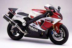 Yamaha R7, as rare as rocking horse shit!!
