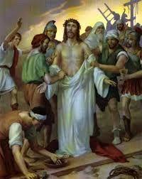 Que la Santa compañía de Dios me acompañe, y que el manto de Santa María, su madre, me cobije y …Share the joy