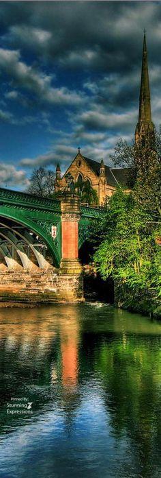 Great Western Bridge - Kelvin River -Glasgow | Scotland